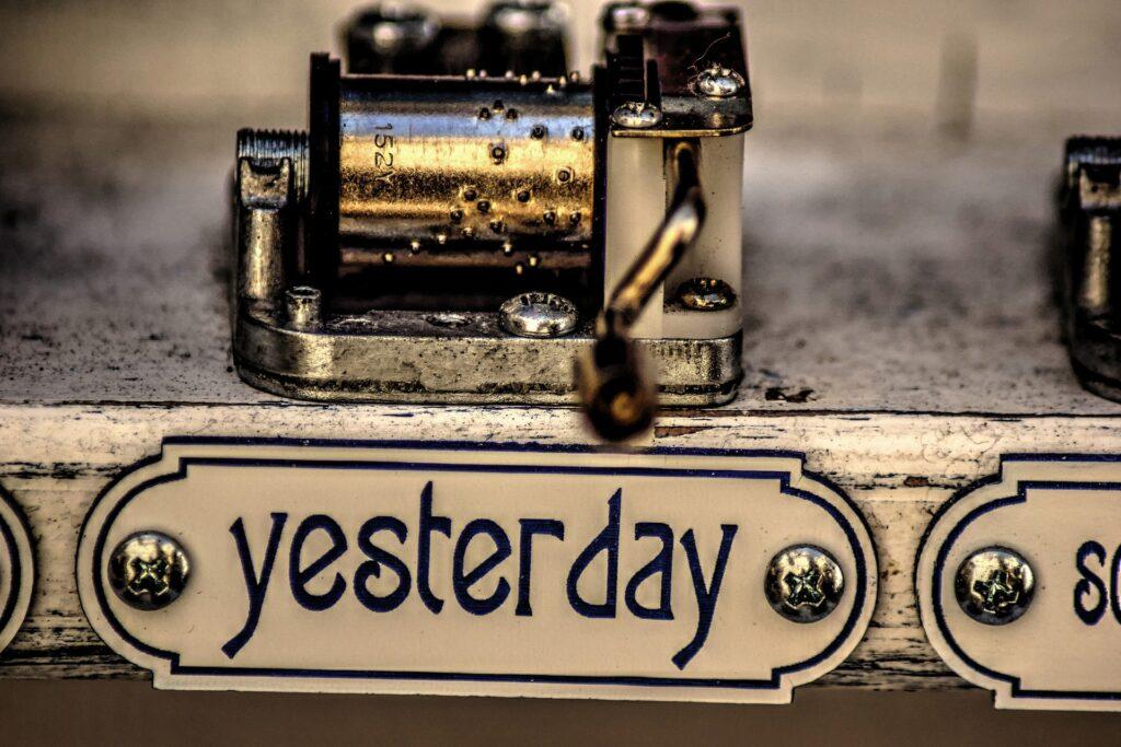 yesterday-2799873_1920